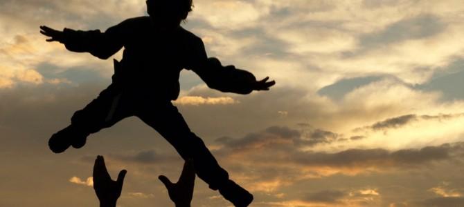 WELCHE BEDEUTUNG HABEN DIE VÄTER FÜR DIE ENTWICKLUNG IHRER KINDER?